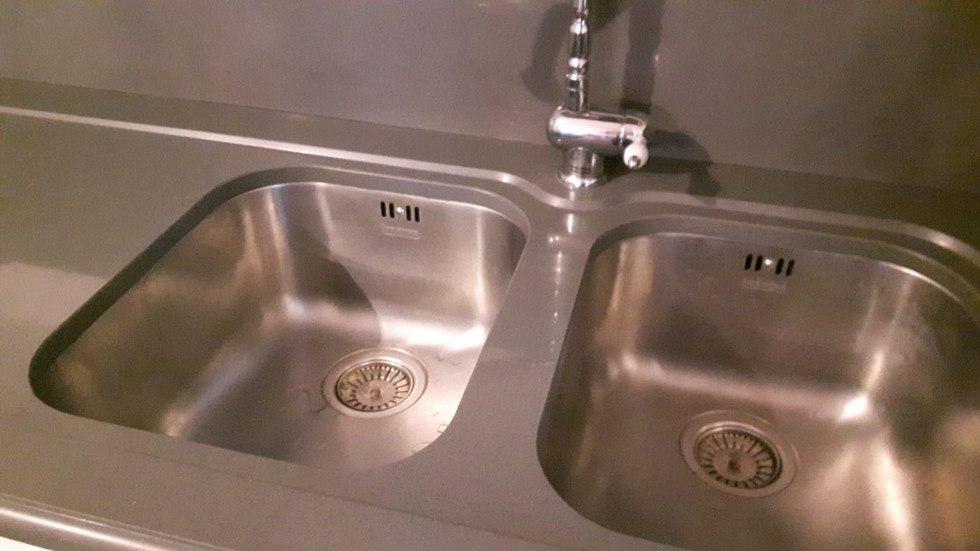 lavandino a due scomparti