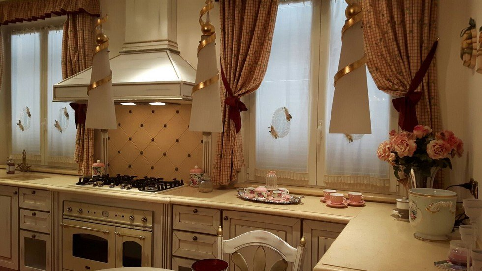 Cucina realizzata da Arredamenti Ivaldi