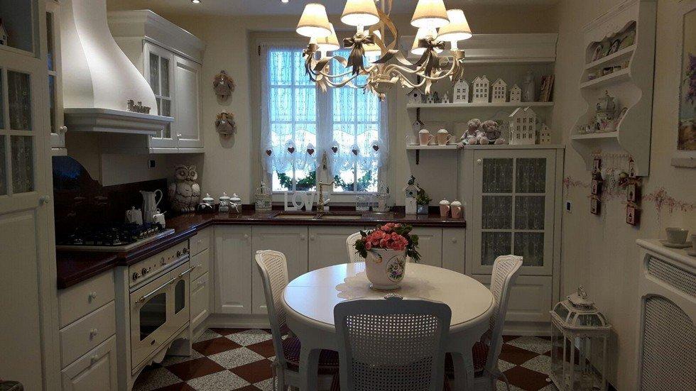 Cucina stile provenzale che può essere realizzata su misura